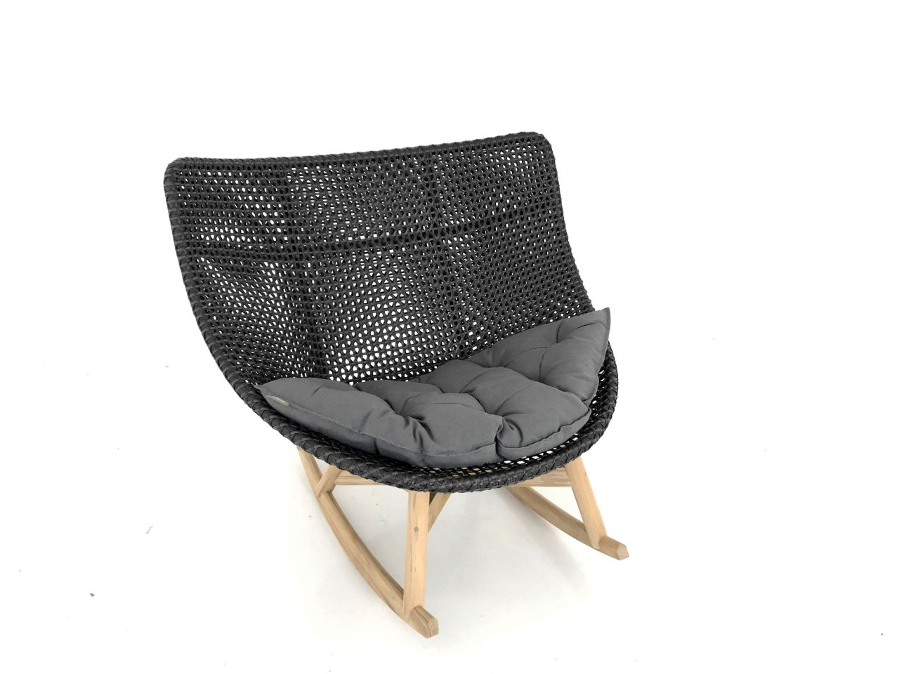 DEDON MBRACE ROCKING CHAIR Schaukel Stuhl in der Farbe arabica mit Sitzkissen in 454 dark gray