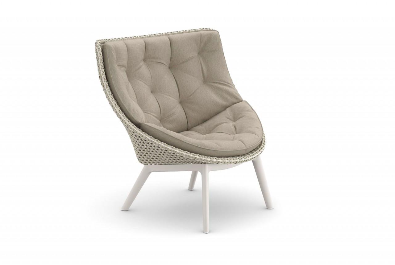 DEDON MBRACE WING CHAIR Hochlehner Sessel in sea salt mit ALU Füßen und Polsterauflage in cool taupe