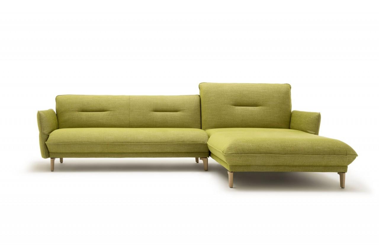 Hülsta Sofa hs.430 mit Recamiere rechts in Stoff farngrün mit Holzfüssen und abklappbaren Seitenteil