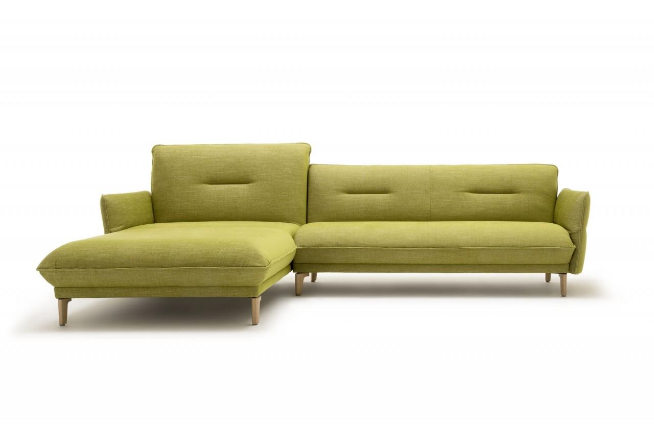 Hülsta Sofa hs.430 mit Recamiere links in Stoff farngrün mit Holzfüssen und abklappbaren Seitenteile