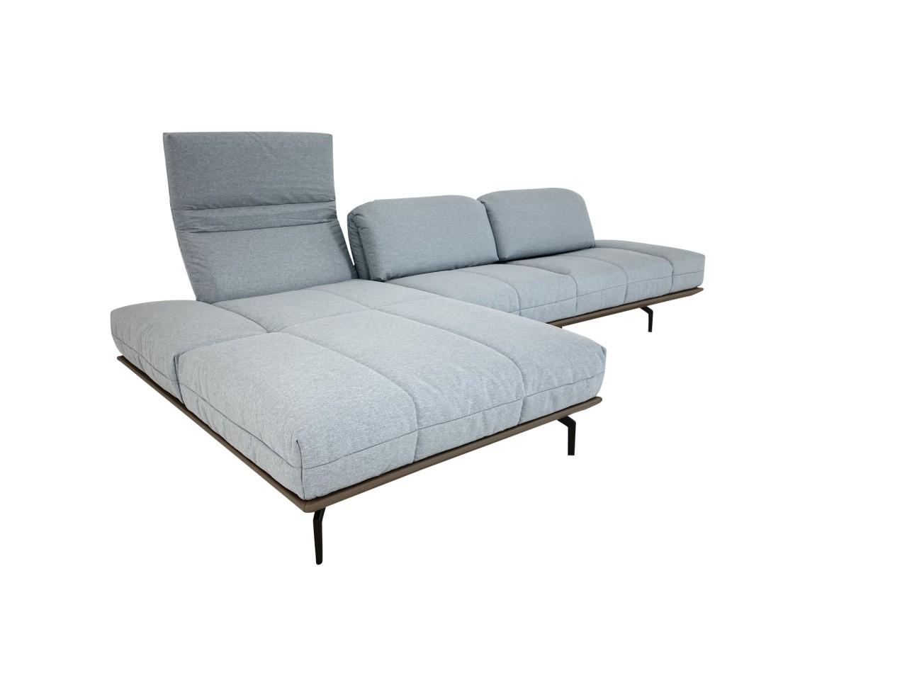 Hülsta Sofa hs.420 Sofa mit Recamiere links in Stoff pastellblau und Rahmen in Leder bezogen