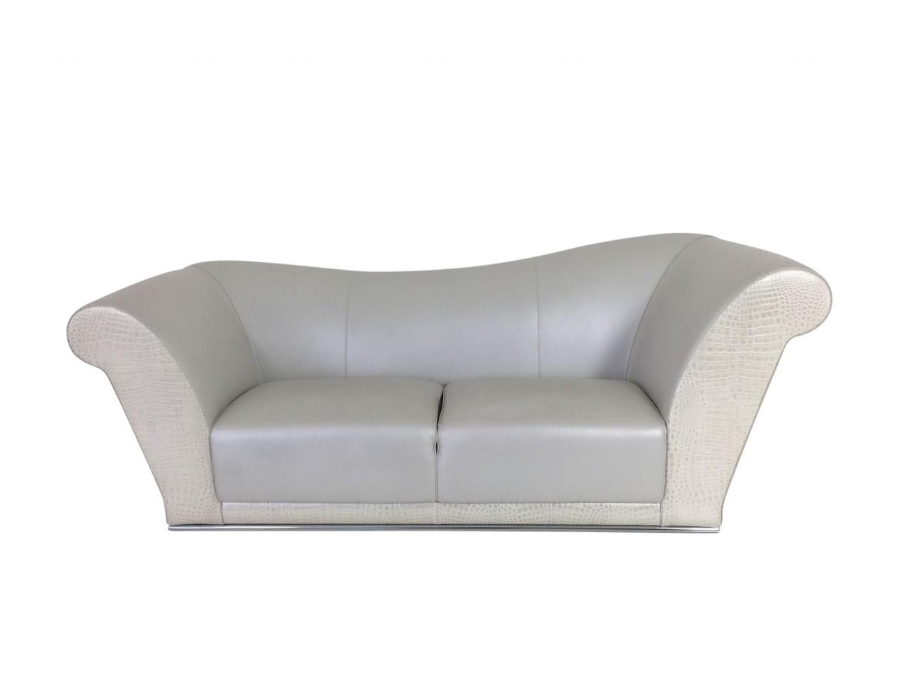 FENDI VILLA PAMPHILLI Sofa in edlen Leder bezogen sowie Krokoleder Optik im Frontbereich