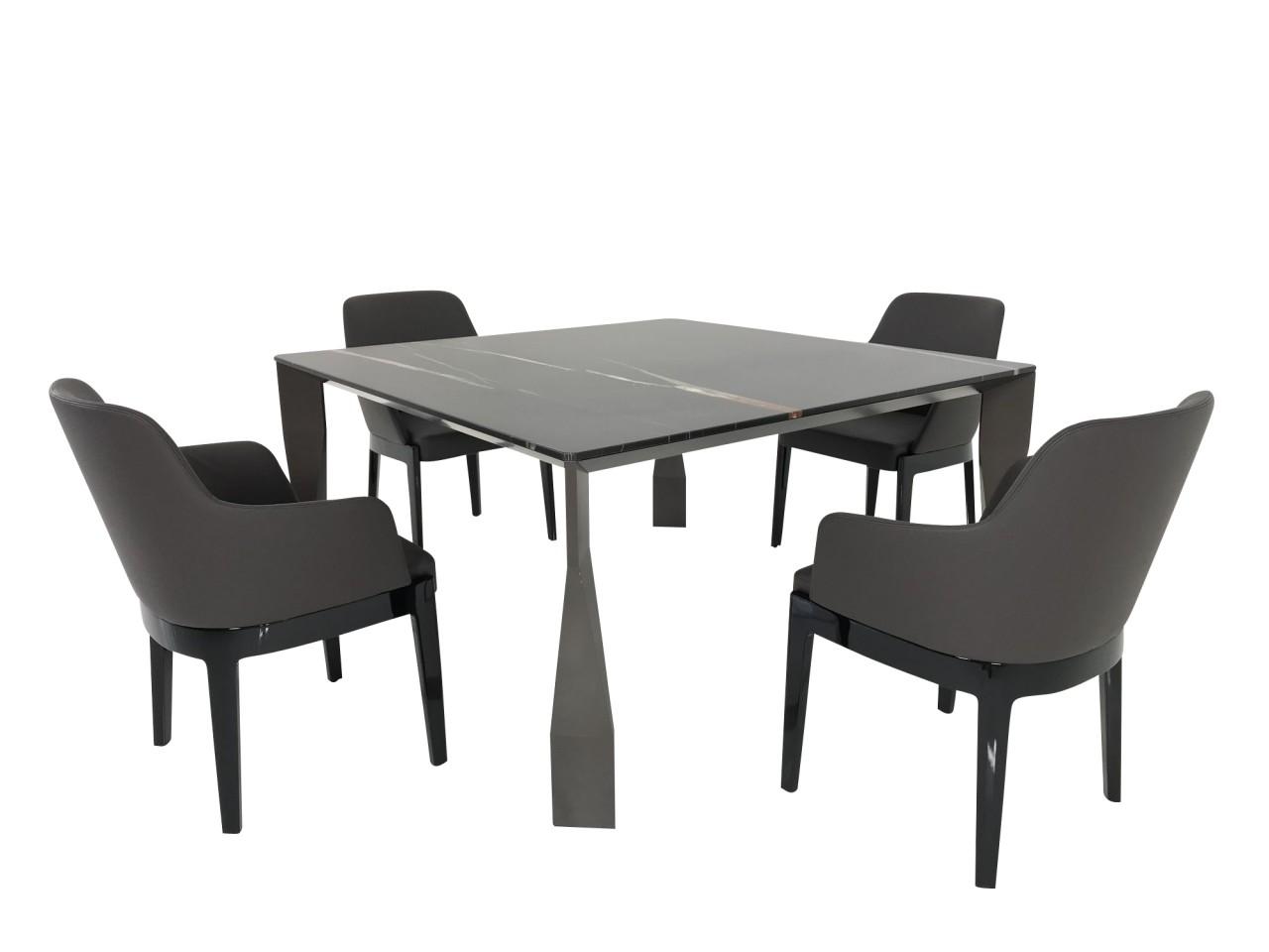 Molteni & C. DIAMOND Tisch Marmor Sahara Noir mit CHELSEA Stühlen in Leder dunkelbraun