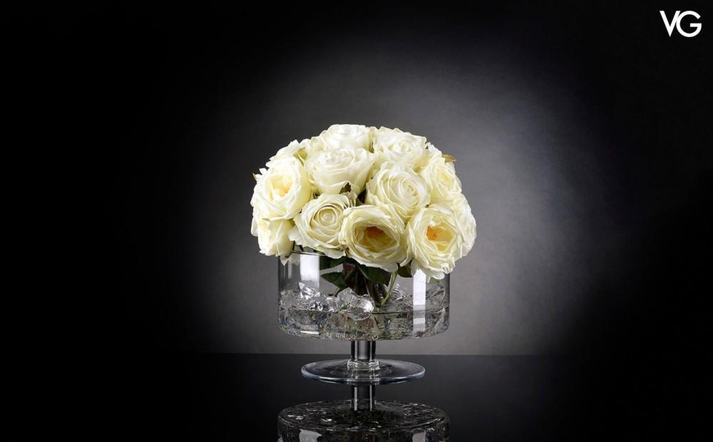 VG Bowl Giulia Illusion weißes Rosen Arrangement