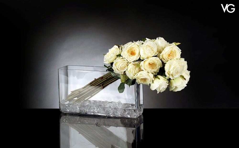 VG Bunch Giulia Illusion weißes Rosen Arrangement