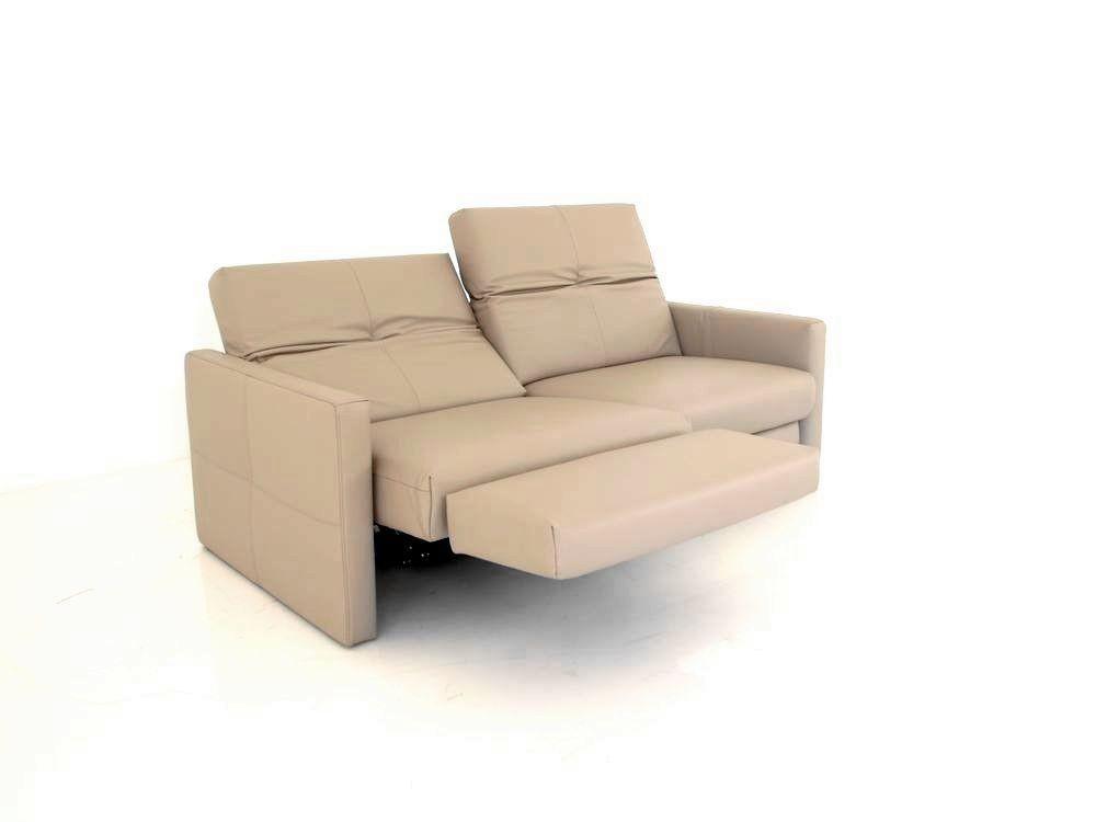Hülsta Sofa hs.462 mit motorsicher Funktion in Wall-Free Technik in beigen Leder