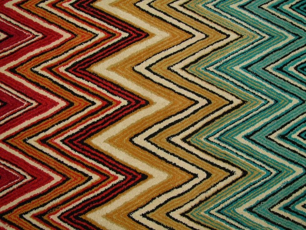 MISSONI HOME LIUWA Teppich mit ZickZack Muster