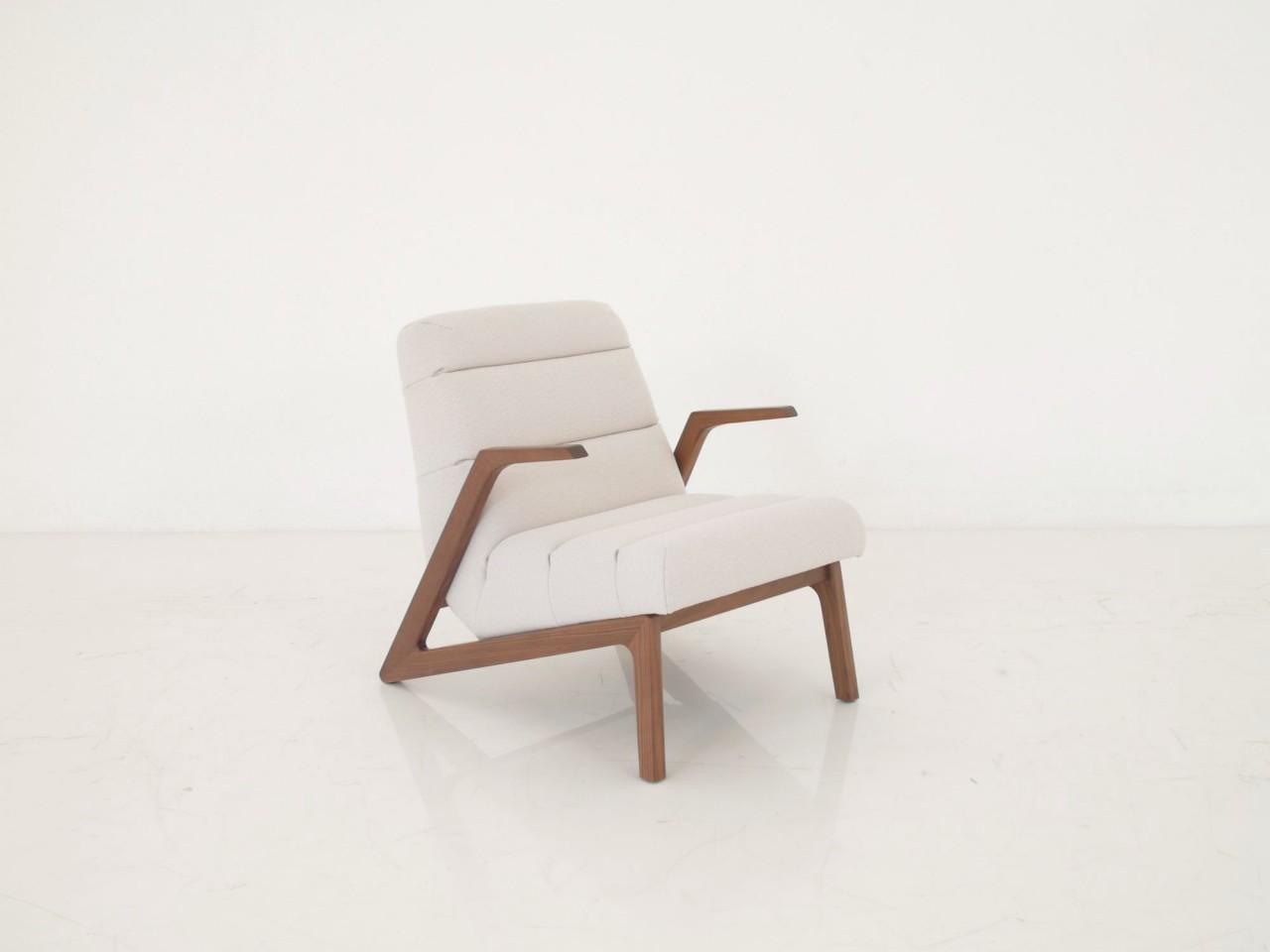 Rolf Benz 580 Sessel In Stoff Elfenbein Mit Nussbaum Gestell Rolf