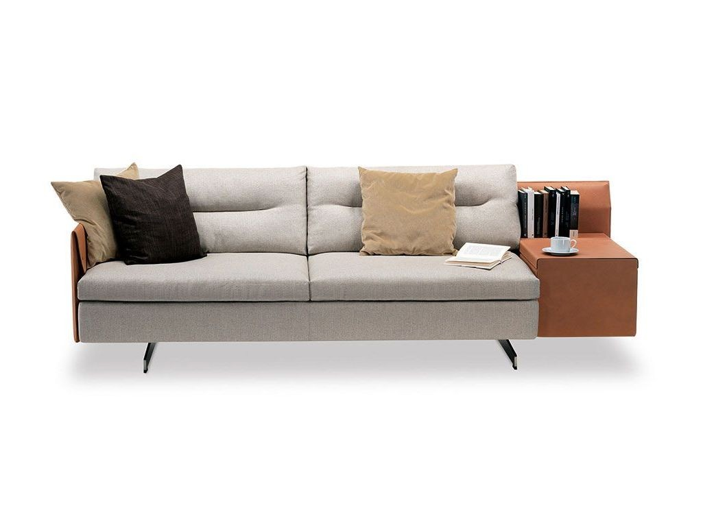 Poltrona Frau GRANTORINO Sofa in Leder cammello und Stoffbezug beige mit weichen Polstern und Ablage