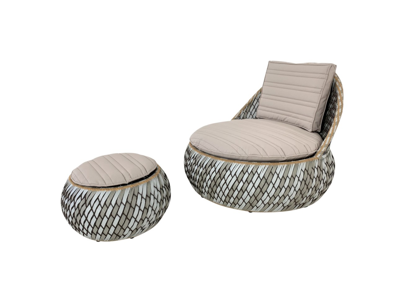DEDON DALA LOUNGE CHAIR mit DALA Hocker in der Farbe stone inkl. Kissenset in noisette