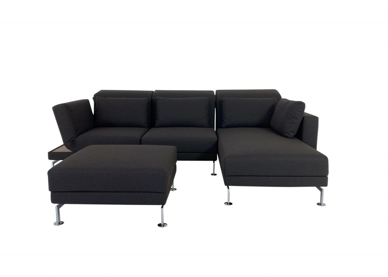 Brühl MOULE medium Sofa mit Recamiere rechts und Hocker in Stoff dunkelbraun und Ablage in Nussbau