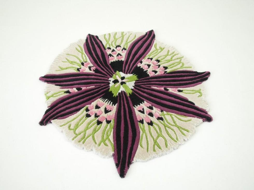 MISSONI HOME BOTANICA Teppich rund Passionsblüte brombeer und grün
