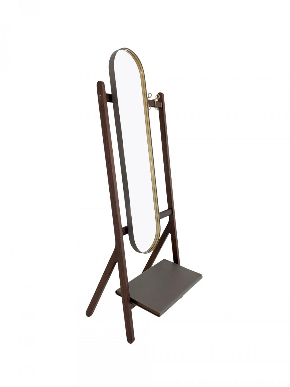 Poltrona Frau REN Garderobe mit Spiegel im saddle extra Kernleder polvere und Canaletto Nussbaum